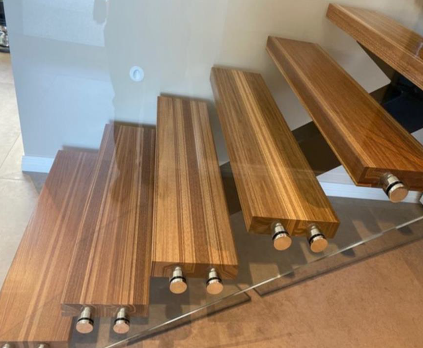 3RT - Examples - Designer Hardwood Stairtreads